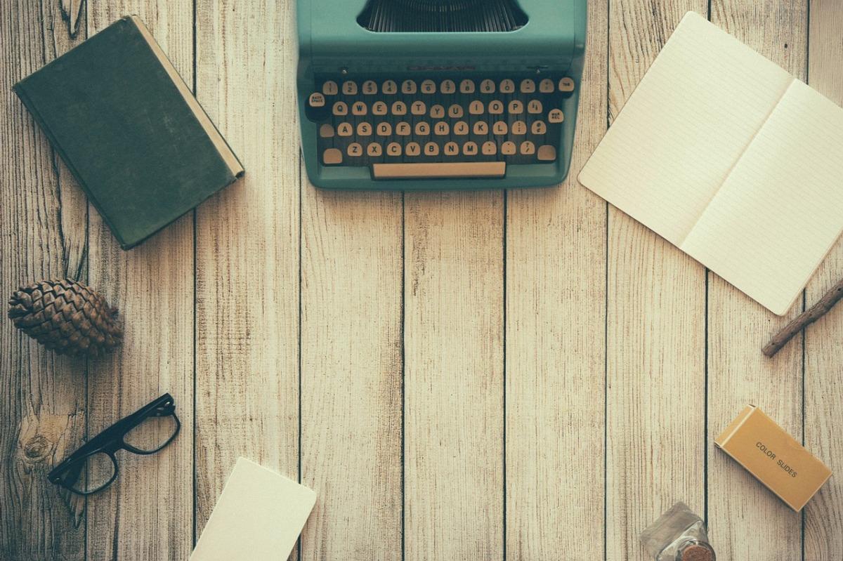 office desk typewriter